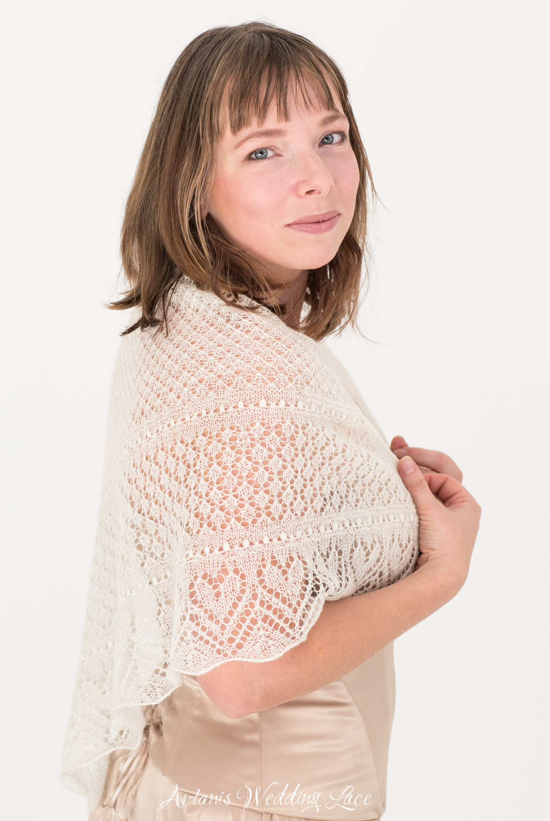 Triangular Natural White Haapsalu Scarf With Hearts Pattern