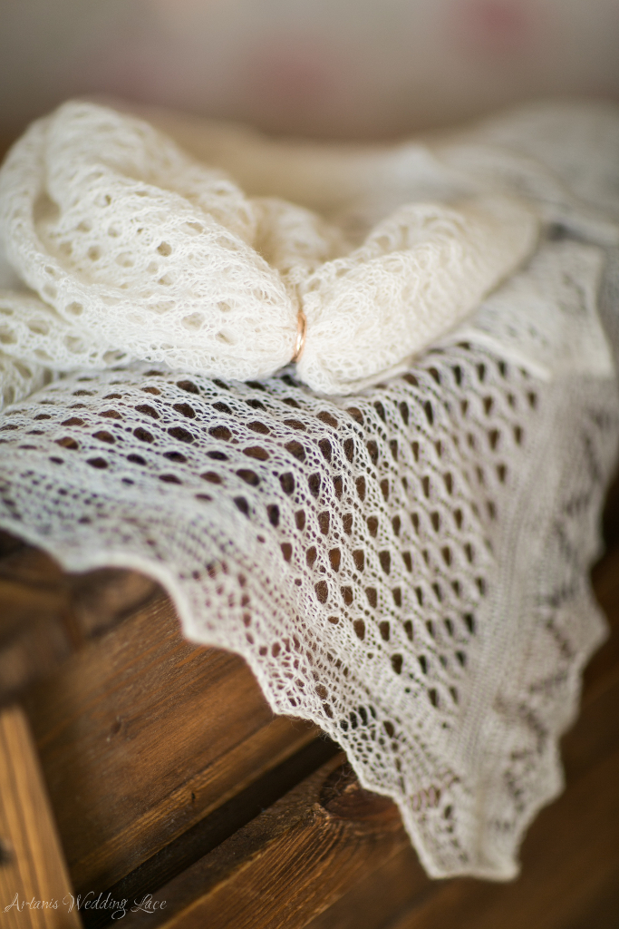 Elegant Shawl - Artanis Wedding Lace (2)